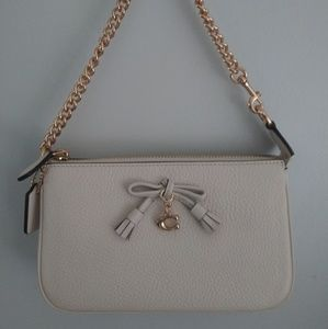 New with tags Coach wristlet.